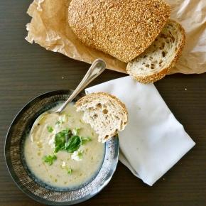 Silky Cauliflower and Garlic Soup with White TruffleOil