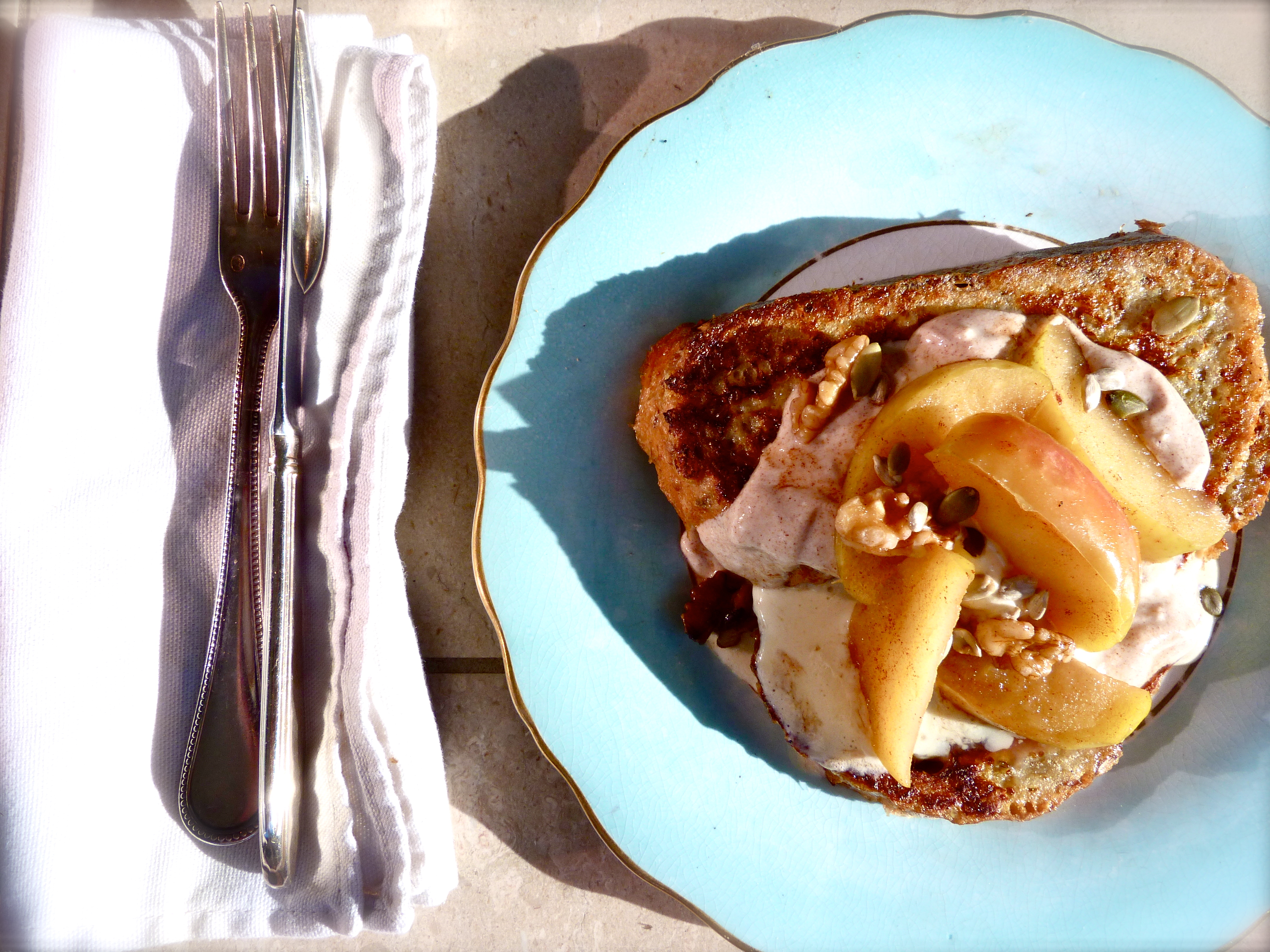 Wholewheat French toast with Poached Cinnamon Apples ...