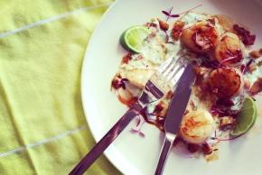 Scallops with Yoghurt and ChorizoCrumbs