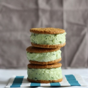 Cucumber, Mint + Lemon Frozen YoghurtSandwiches