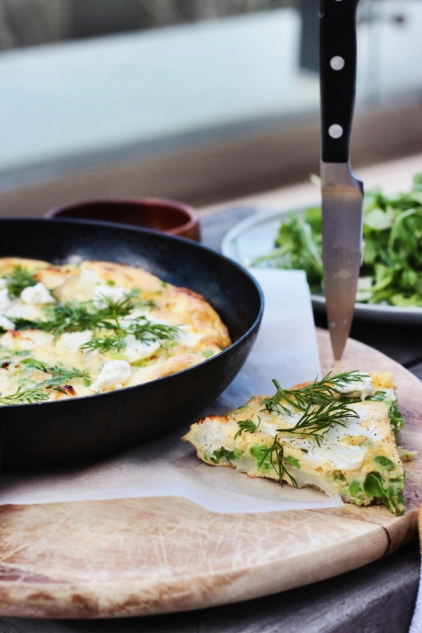 Cauliflower and Smashed Pea Frittata www.fingerforkknife.com